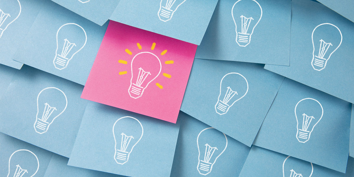 Lightbulbs drawn on post its