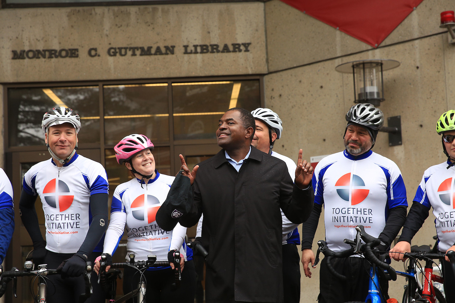 Irvin Scott and Pennsylvania educators, faith leaders who cycled to HGSE campus