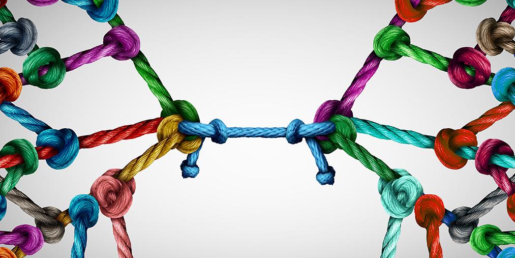 Colorful knots
