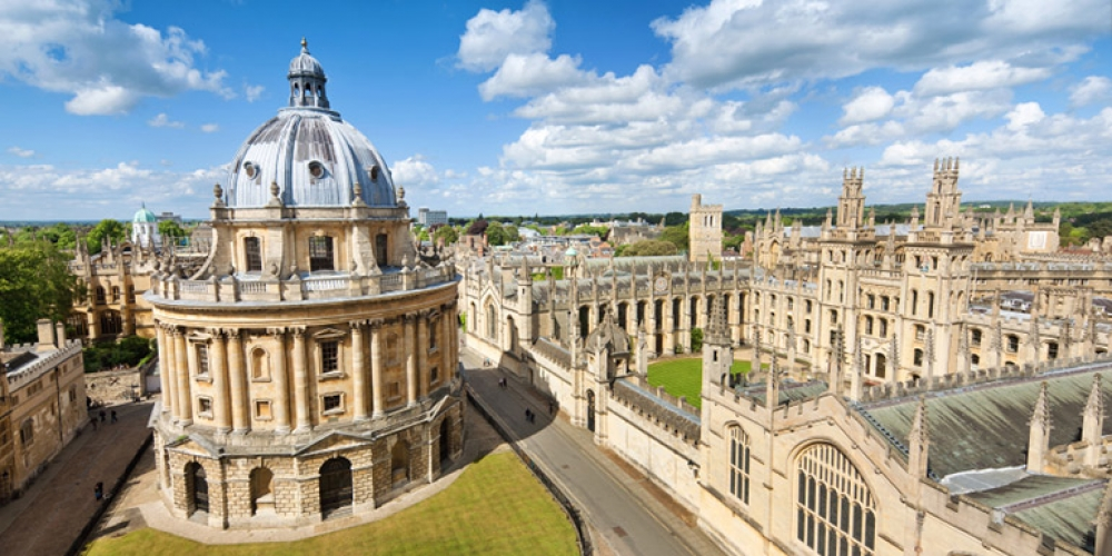 Photo of Oxford University in England