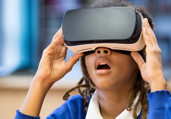 Student with virtual reality headset